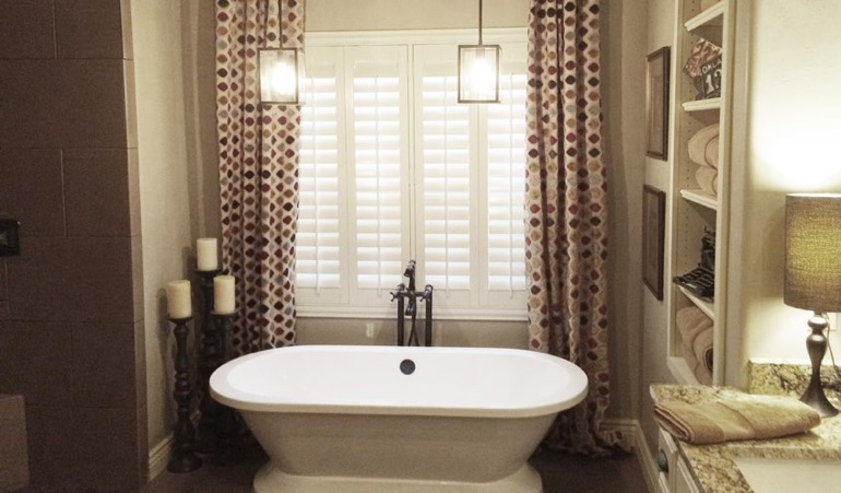 Polywood Shutters in Philadelphia Bathroom