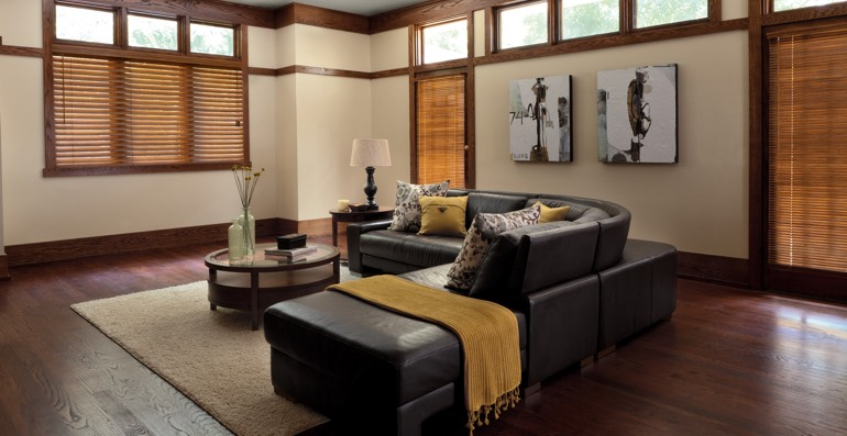 Philadelphia hardwood floor and blinds