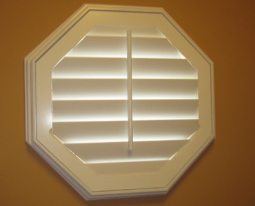 Philadelphia octagon window shutter
